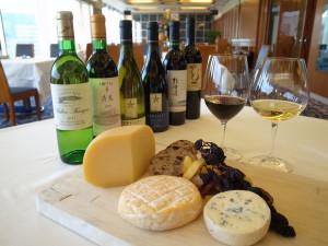 1051_オテルドミクニ札幌_R0027406_北海道産ワインとチーズ
