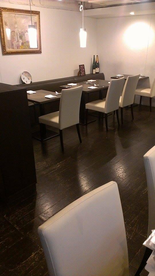 ワインレストラン Akihisa Handa