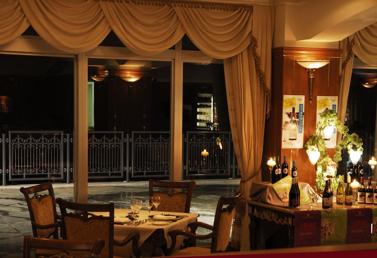 ホテル ノイシュロス小樽 レストラン ブラウキュステ